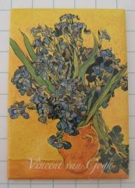 MAC: 20.402 Koelkastmagneet Vincent van Gogh, vaas met irissen