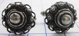 ZKG 426 machetknopen bolle zeeuwse knop oogjesrand