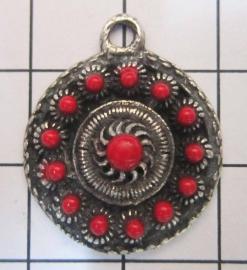ZB021-R Zeeuwse knop met rode emaille