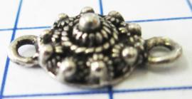 klein plat zeeuws knoopje tweeoog verzilverd ZB004