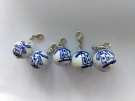 5 stuks clipje handgeschilderde delftsblauwe molen kraal