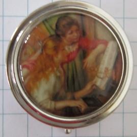 PIL 134 pillendoosje met spiegel twee meisjes piano Renoir