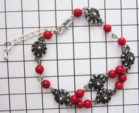 Zeeuwse knop armband, ZKA511 met natuurlijk koraal