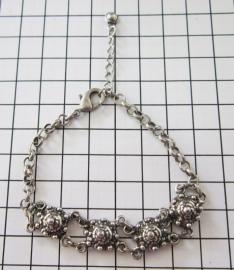 ZKA 501 Zeeuwse knopjesarmband met 4 knopjes