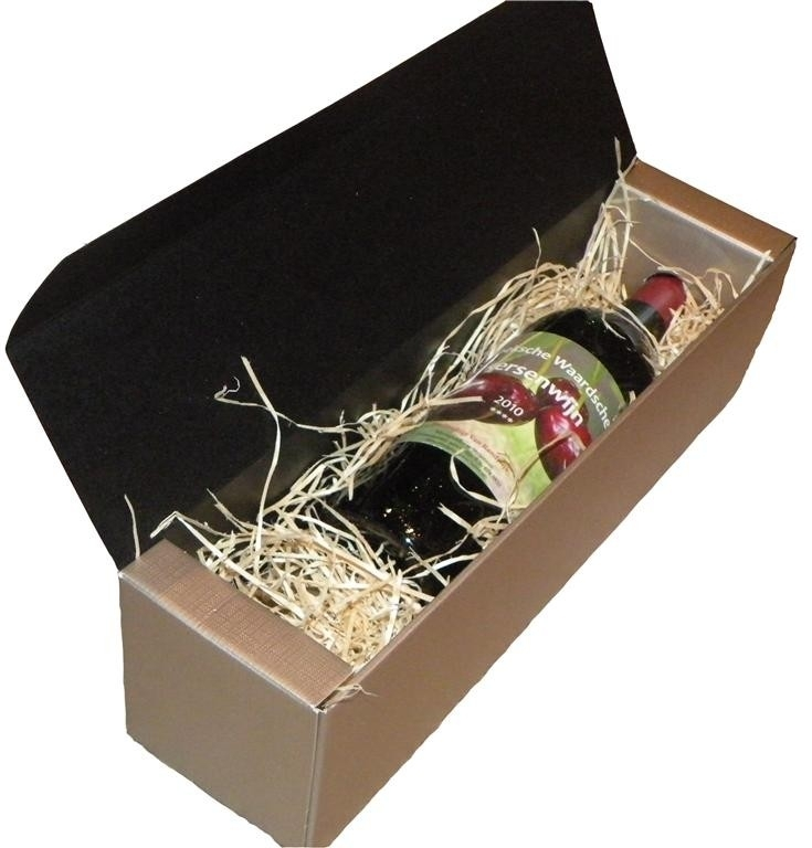 Kersenwijn in zilveren geschenkdoos