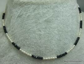 Zwarte Spinel  ketting rondellen 2x3 mm en pareltjes