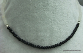 Black Spinel facet en Witte Jade rondellen ketting 4 mm (Nr1)
