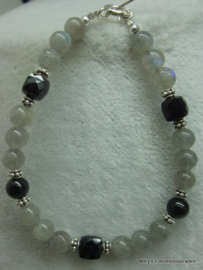 Labradoriet armband+Zwart Spinel dobbelstenen en zilver.