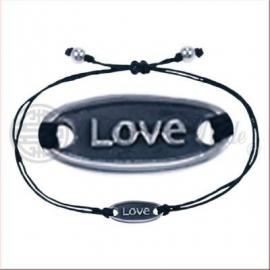 Armbandje met Love.