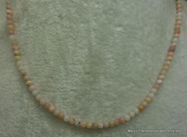 Rose Opaal ketting 4 mm