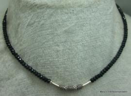 Black Spinel ketting facet rondellen 2/3 x 4 mm met zilver