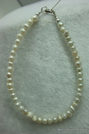 Parel armband 4 mm.