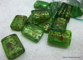 17 stuks kunststof kralen groen 1,8 x1,3 x0,55 cm