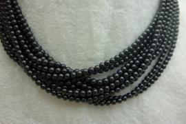 Zwart Spinelsnoer 4 mm Nr28)