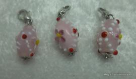 4 Glazen hangertjes aan slotje, rose+bloemetjes/stipjes