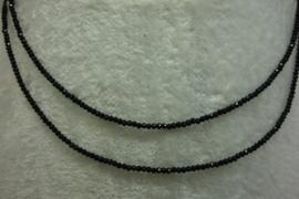 Black Spinel ketting facet 2 mm 86 cm lang
