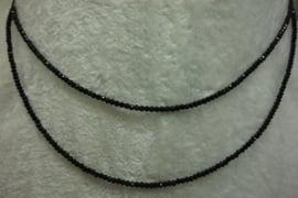 Zwarte Spinel ketting facet 2 mm