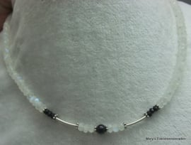 Maansteen ketting facet 6 mm met Spinel+zilver**