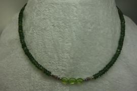 Groene Toermalijn ketting facet met zilver en Peridot..