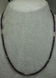Amethist ketting 4 mm met zilver.