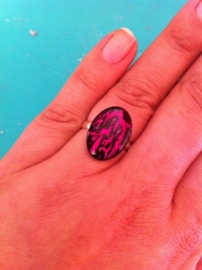 Crackling nail art ring