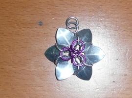 chainmail flower hanger (01kt028)