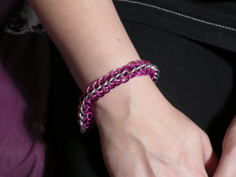 1.5 half persian chainmaille armband (02ab008)