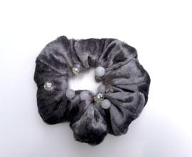 Scrunchie kleur grijs met kralen