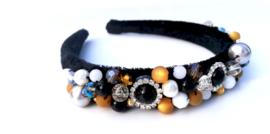 Vincha negra con perlas