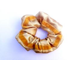 Scrunchie kleur goud