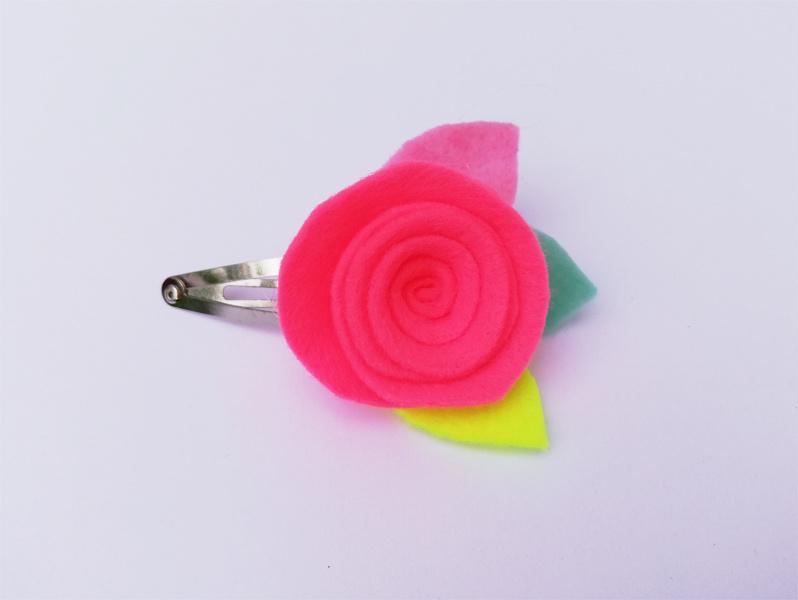 Haarspeldje Neon pink flower