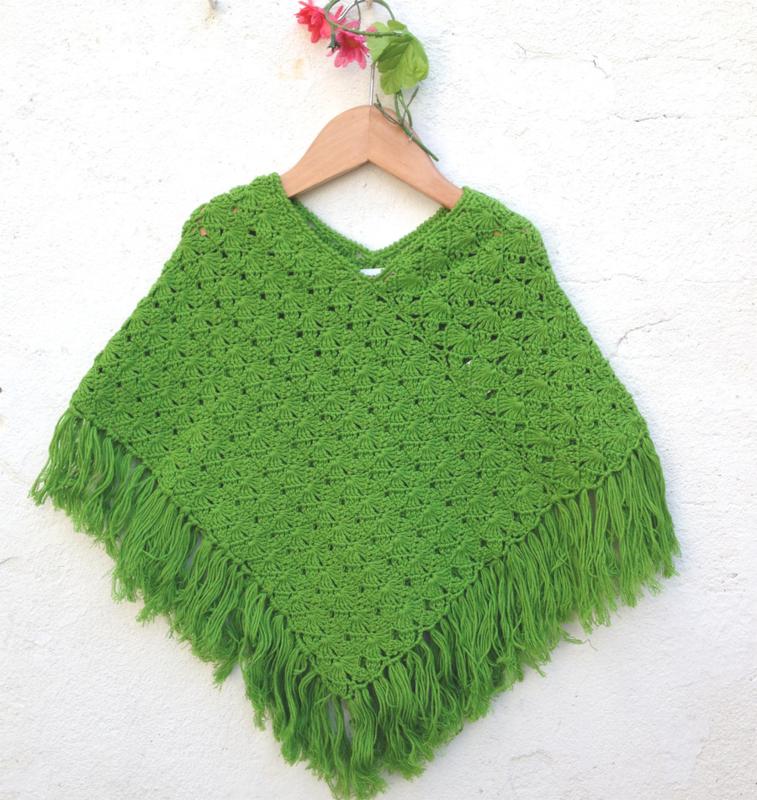 Gehaakte groene poncho