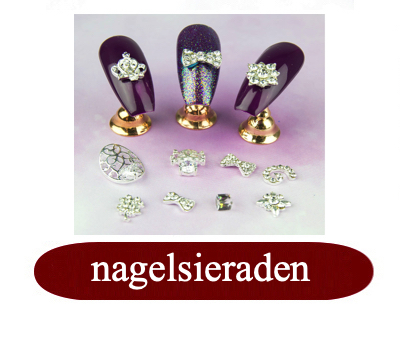 nagelsieraden jewels.jpg
