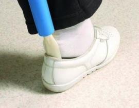 Schoenlepel en aankleedstok in één