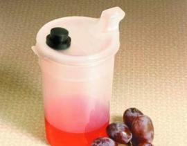 Drinkbeker of voedingsbeker met afsluitdop