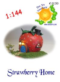 DIY 1:144 Strawberry home