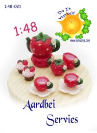 1:48-021 Strawberry Tea Set