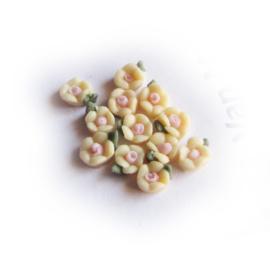 Porseleinen bloem 3mm Abrikoos