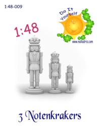 1:48-009 DIY Notenkrakers