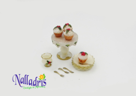 Holly Cupcake set