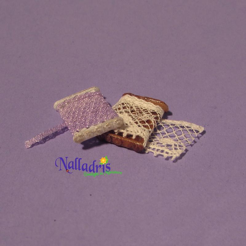10.015 Lace Wrapper