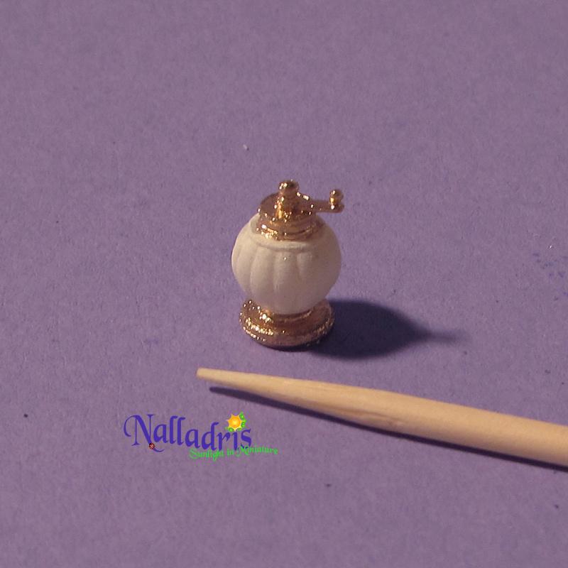 10.022 Victorian pepper grinder