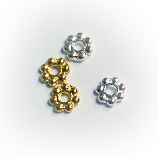 4003 Daisy Spacer 4mm