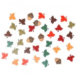 Knopen in de vorm van herfst blaadjes en eikels
