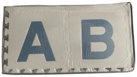 SALE! Speelmat alfabet/figuren MIX VAN TWEE (PASTEL) KLEUREN 2,86 m² / 30 tegels (30 x 30 x 1,2 cm)