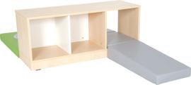 Speelhoek met lage kast (met spiegel) en speelmatten