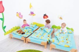Kinderopvang bedden (hout) inclusief matras