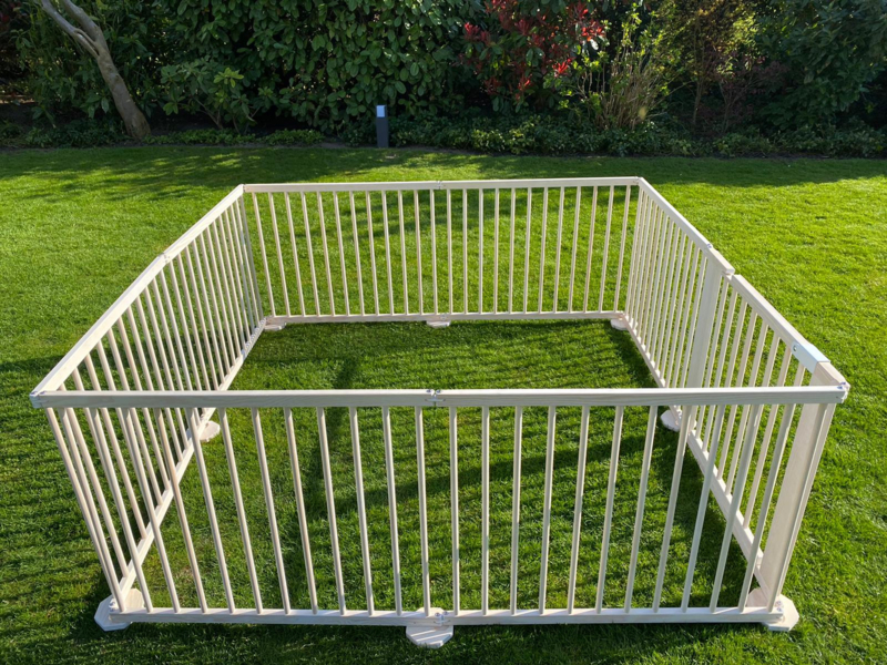All weather buitenbox / playpen 7,32 meter (72 cm) leverbaar 21 mei