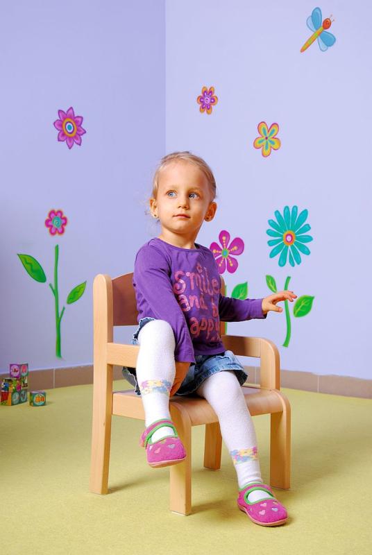 Kinderopvang stoelen met armleuning (3 maten in natuur/beuken)