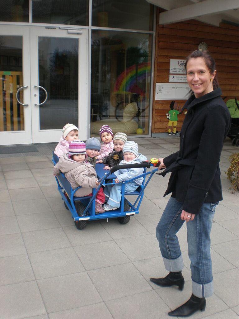 Bolderwagen Kinderopvang Blauw 5.jpg